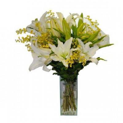 Arranjo estilo Buquê de Lírios com Orquídeas