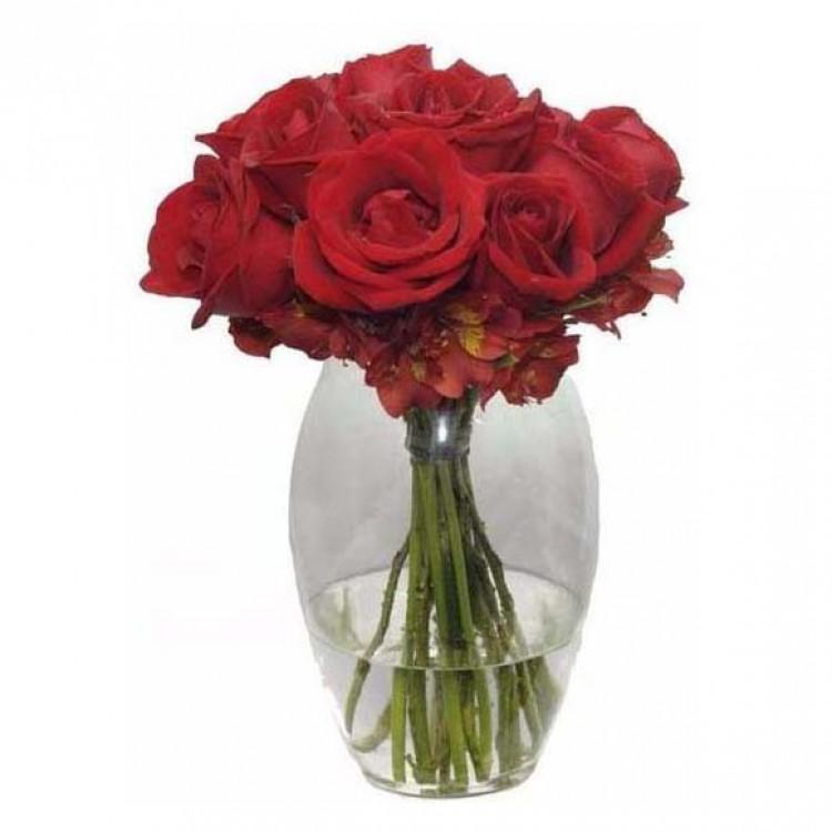 Arranjo de Rosas no Vaso Oval