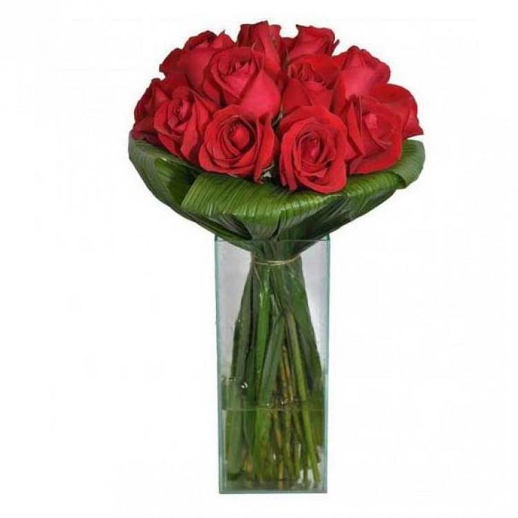 Buquê de Rosas Vermelhas no Vidro Grande